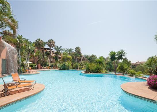 Apartment for sale in Av. Buchinger, 29600 Marbella, Málaga, Spain