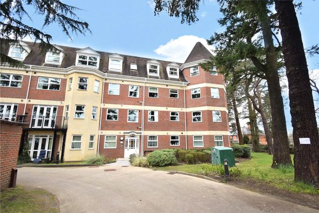 2 bed flat to rent in Elmhurst Court, Heathcote Road, Camberley, Surrey GU15