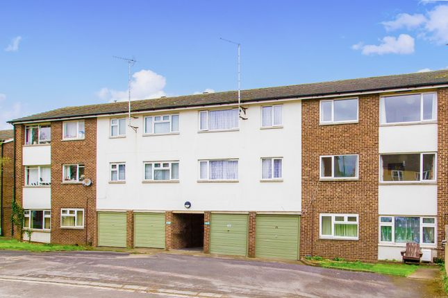 2 bed flat for sale in Lowell Place, Witney, Oxfordshire