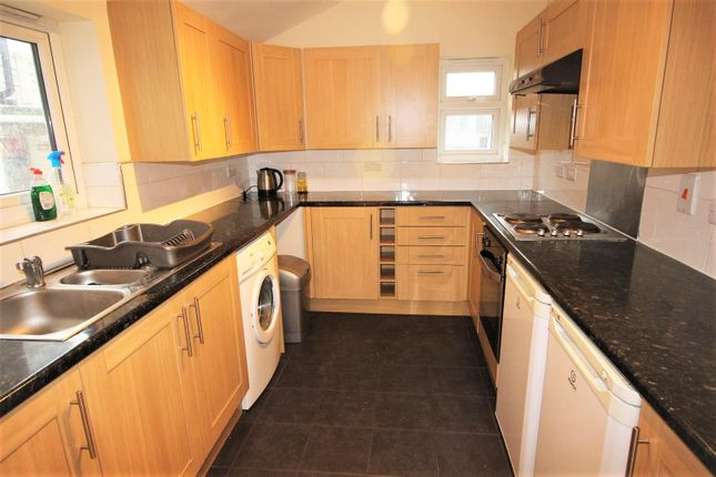 Thumbnail Property for sale in Woodville Gardens, London
