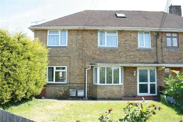 Thumbnail Flat to rent in Church Road, Benfleet