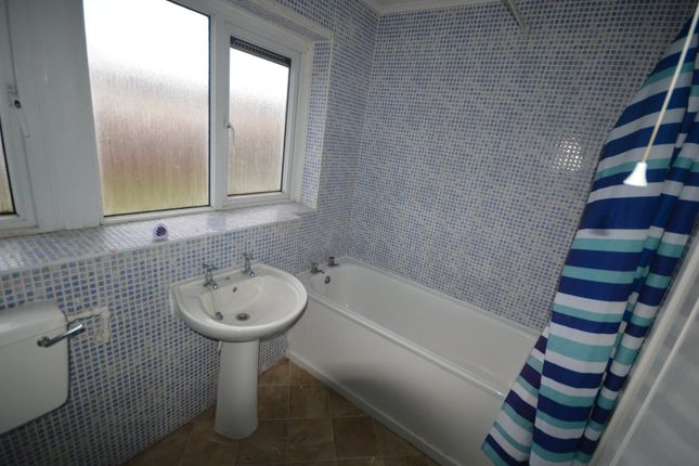 Picture No. 12 of Bahram Grove, New Rossington, Doncaster, South Yorkshire DN11