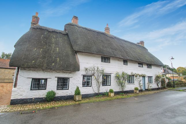 Thumbnail Cottage for sale in High Street, Long Crendon, Aylesbury