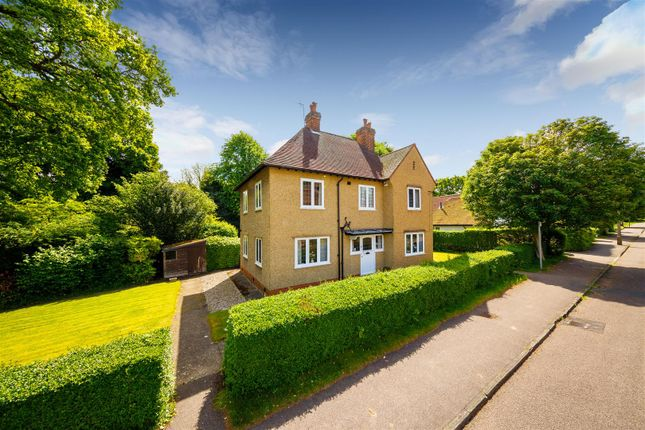 3 bed detached house for sale in Lytton Avenue, Letchworth Garden City