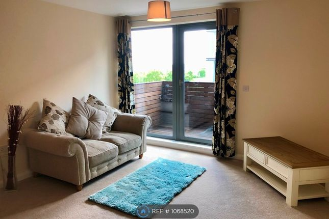 2 bed flat to rent in Skyline, Birmingham B1