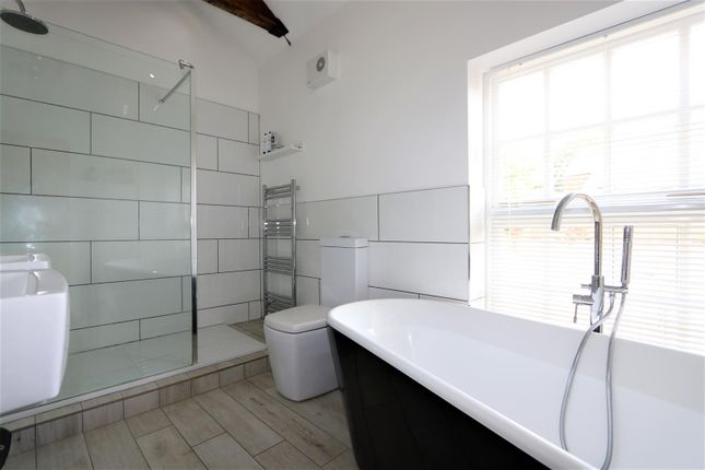 Stylish Bathroom of Lower Moor Road, Coleorton LE67