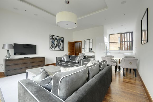 Thumbnail Property to rent in Mews House, Kew Bridge Court, Chiswick