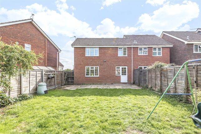 Picture No. 11 of Blisworth Close, Hayes, Middlesex UB4
