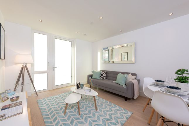 Thumbnail Flat for sale in Tavistock Road, West Drayton
