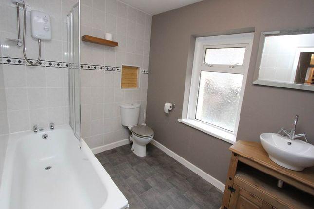 Bathroom WC Shower 2