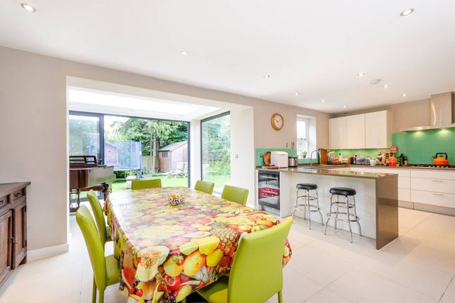 Thumbnail Property to rent in Chartfield Avenue, Putney