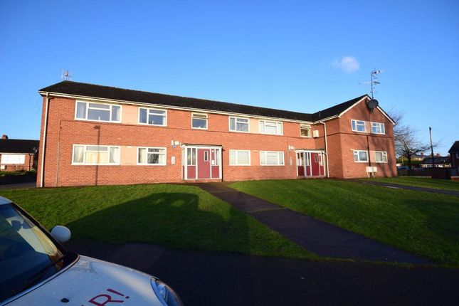 Thumbnail Flat to rent in Ffordd Offa, Rhosllanerchrugog, Wrexham