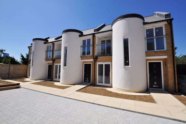 Thumbnail Mews house for sale in Queen's Road, Croydon