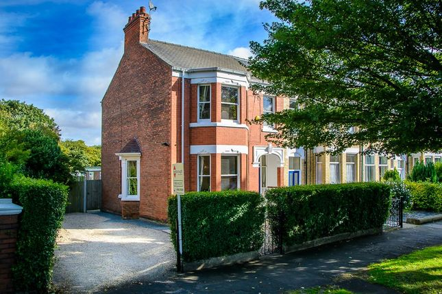 Thumbnail Semi-detached house for sale in Victoria Avenue, Hull