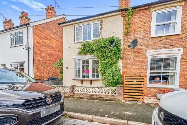 2 bed end terrace house for sale in Byfleet, Surrey, United Kingdom KT14