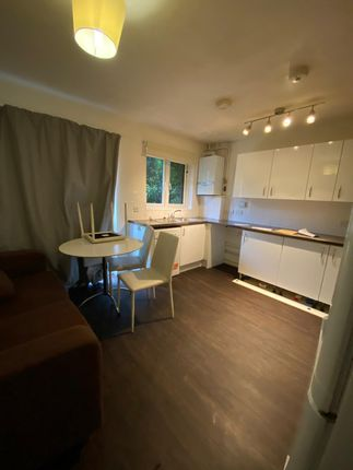 Thumbnail Property to rent in Sterling Place, Ealing, London