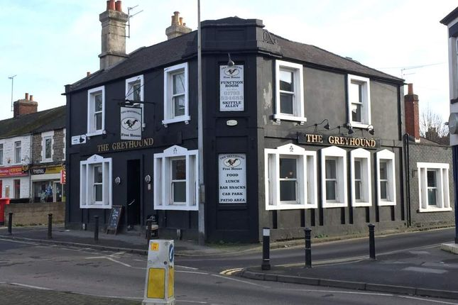 Thumbnail Pub/bar for sale in Faringdon Road, Swindon