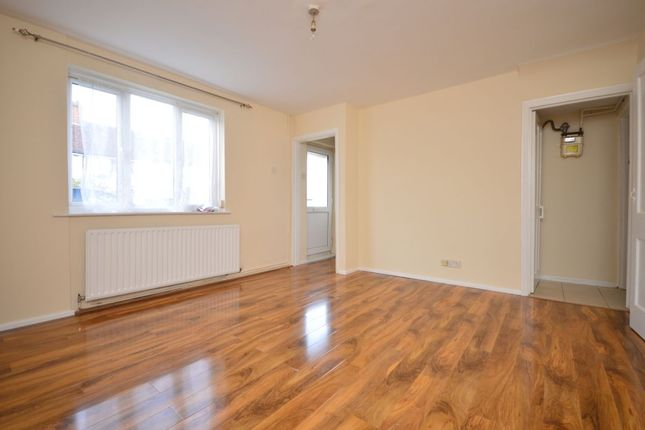 Thumbnail Terraced house to rent in Fleetwood Road, Kingston Upon Thames