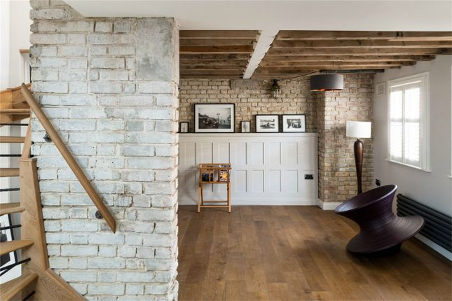 Thumbnail Terraced house for sale in Bow Common Lane, London