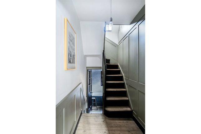 23386369 of Varden Street, London E1