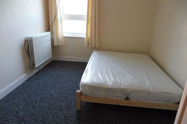 Thumbnail Property to rent in Bilton Road, Rugby