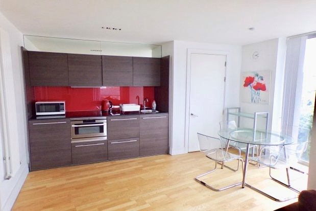 Thumbnail Flat to rent in The Circus, City Centre