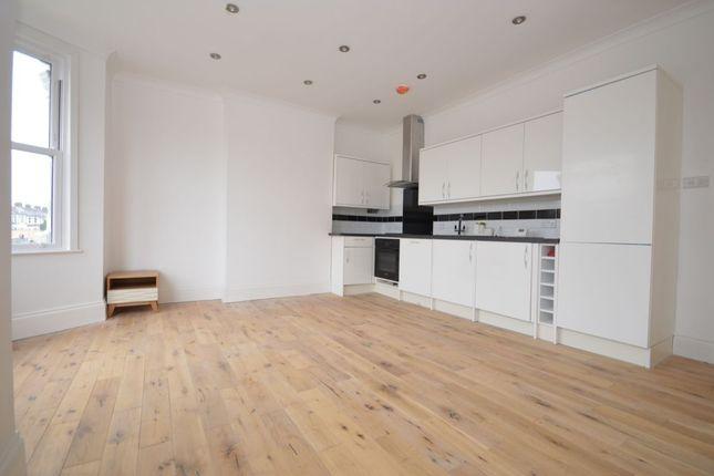 Thumbnail Flat to rent in Wellmeadow Road, London