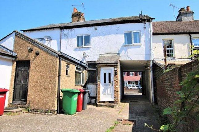 2 bed maisonette to rent in Tarrant Cottage, Colnbrook, Slough SL3