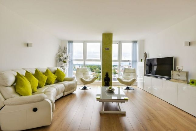 Thumbnail Flat for sale in Meadow Walk, Chelmsford