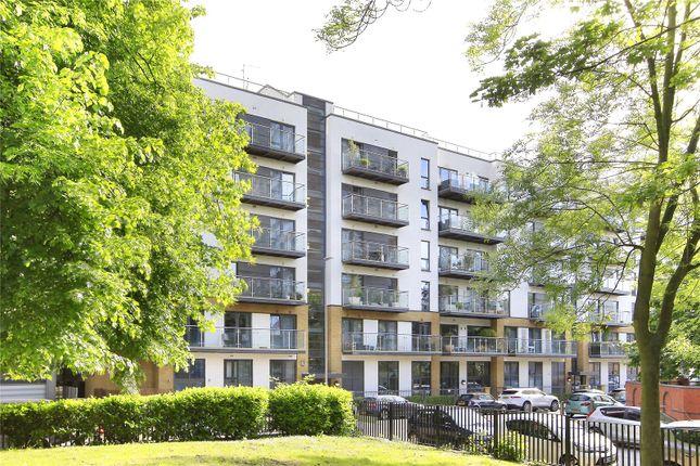 Thumbnail Flat to rent in Gwynne Road, Battersea, London