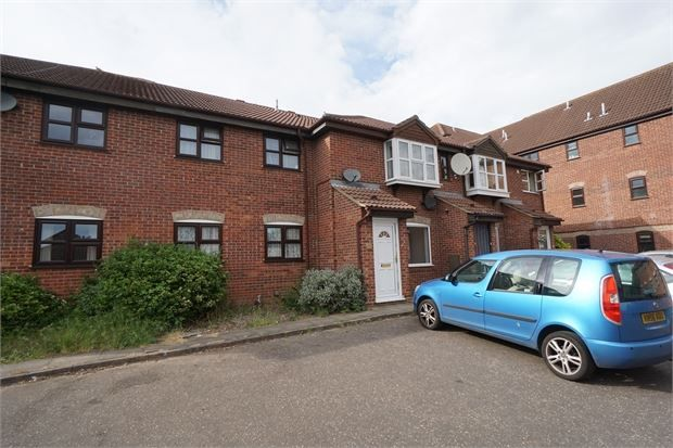 Thumbnail Maisonette to rent in Enville Way, Highwoods, Colchester, Essex.