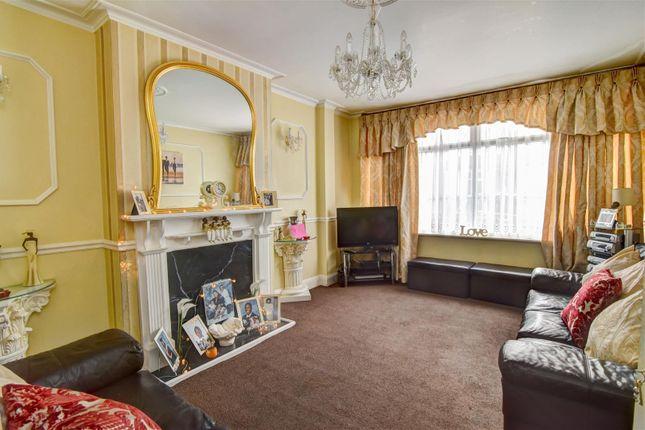 Lounge of Oaklands Avenue, Thornton Heath CR7
