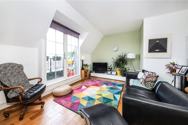 Flat for sale in South City Court, 52 Peckham Grove, London