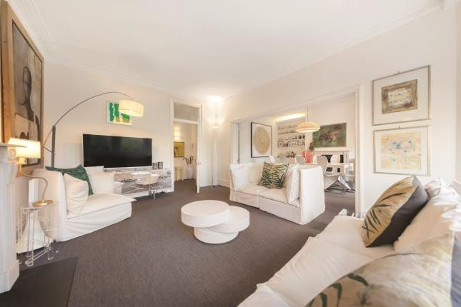 3 bed flat for sale in Prince Of Wales Drive, London