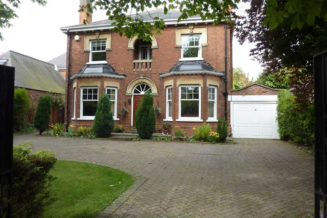Thumbnail Detached house for sale in Welholme Avenue, Grimsby