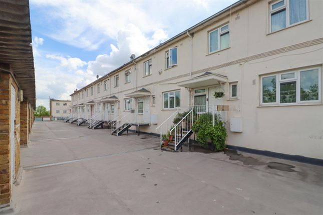 3 bed maisonette for sale in Whitmore Way, Fryerns SS14