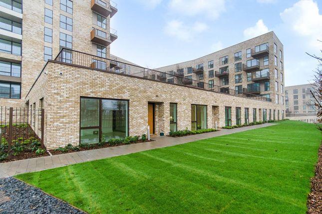 Thumbnail Flat to rent in Lakeside Drive, Park Royal, London