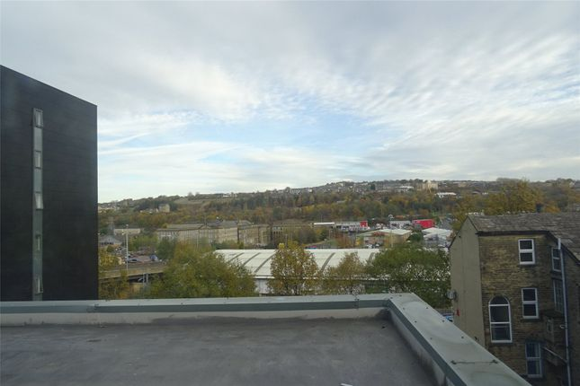Picture No. 04 of Hockney Court, 2 Hallgate, Bradfordwest Yorkshire BD1