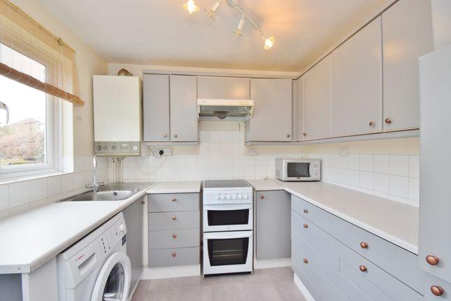 1 bed flat to rent in Abbott Close, Hampton
