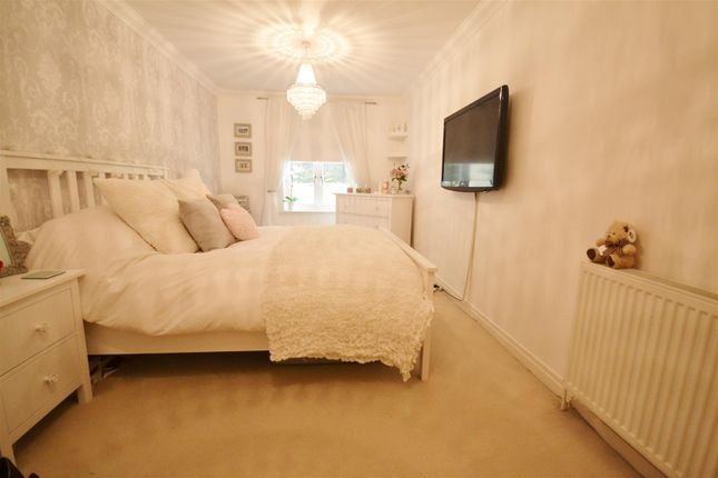 Master Bedroom of London Road, Bushey WD23