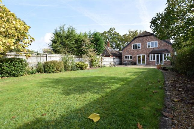 Thumbnail Detached house for sale in Spencers Wood, Reading