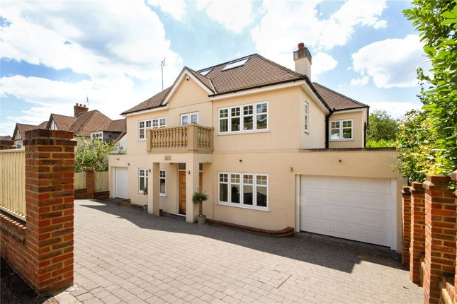 Thumbnail Detached house for sale in Woodwaye, Watford