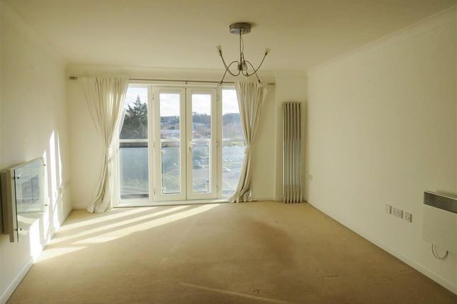 Thumbnail Flat to rent in Selden Hill, Hemel Hempstead