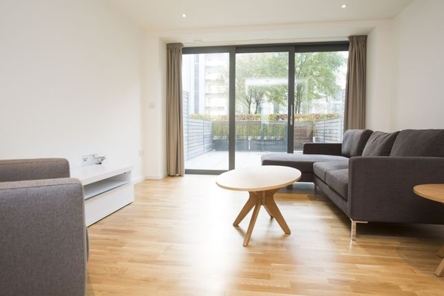 Thumbnail Town house to rent in Titian Heights, London