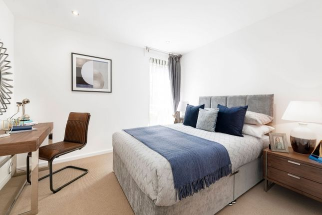 2 bedroom flat for sale in So Resi Addlestone, Addlestone