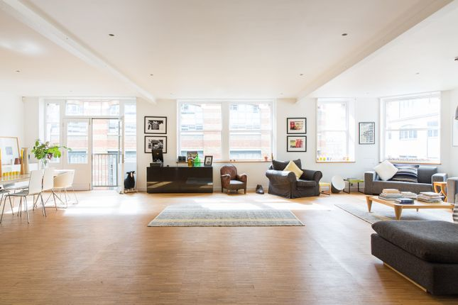 Thumbnail Flat for sale in Shepherdess Walk, London