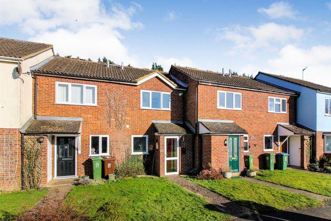 2 bed terraced house to rent in Sheerstock, Haddenham, Aylesbury