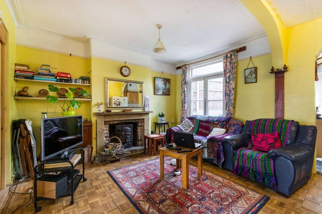 Thumbnail Property for sale in Stanger Road, Croydon