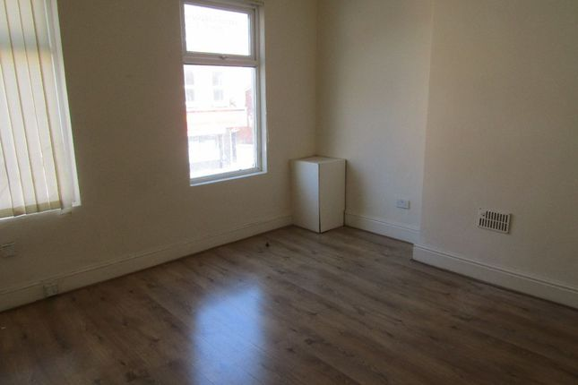 Thumbnail Flat to rent in Oakfield Road, Walton, Liverpool
