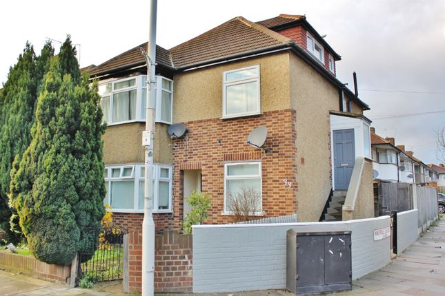 Thumbnail Flat to rent in New North Road, Ilford
